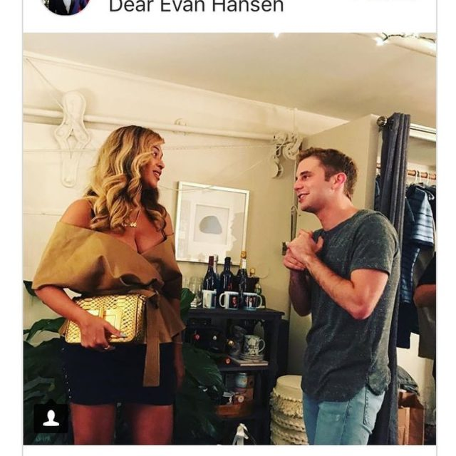 STARS theyre just like us! They love dearevanhansen too! beyoncehellip